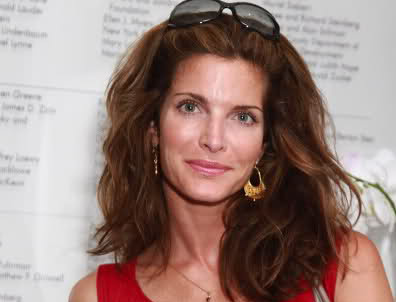 Erin Everly - biography with personal life, married and affair. A collection of facts, affair ...