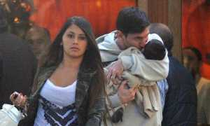Lioneal Messi Kissing his new baby boy